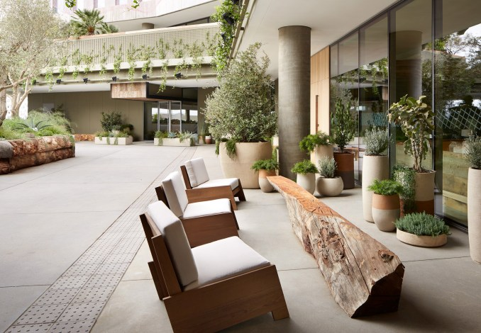 1 Hotel West by RCH Studios