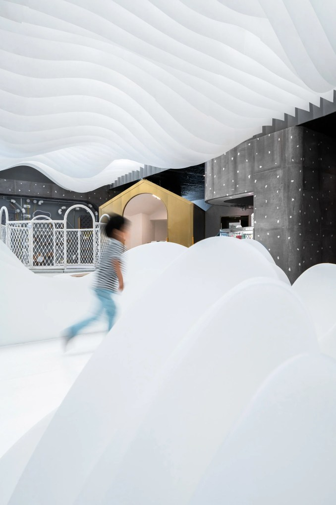 Lolly-Laputan kids cafe, designed by Wutopia Lab