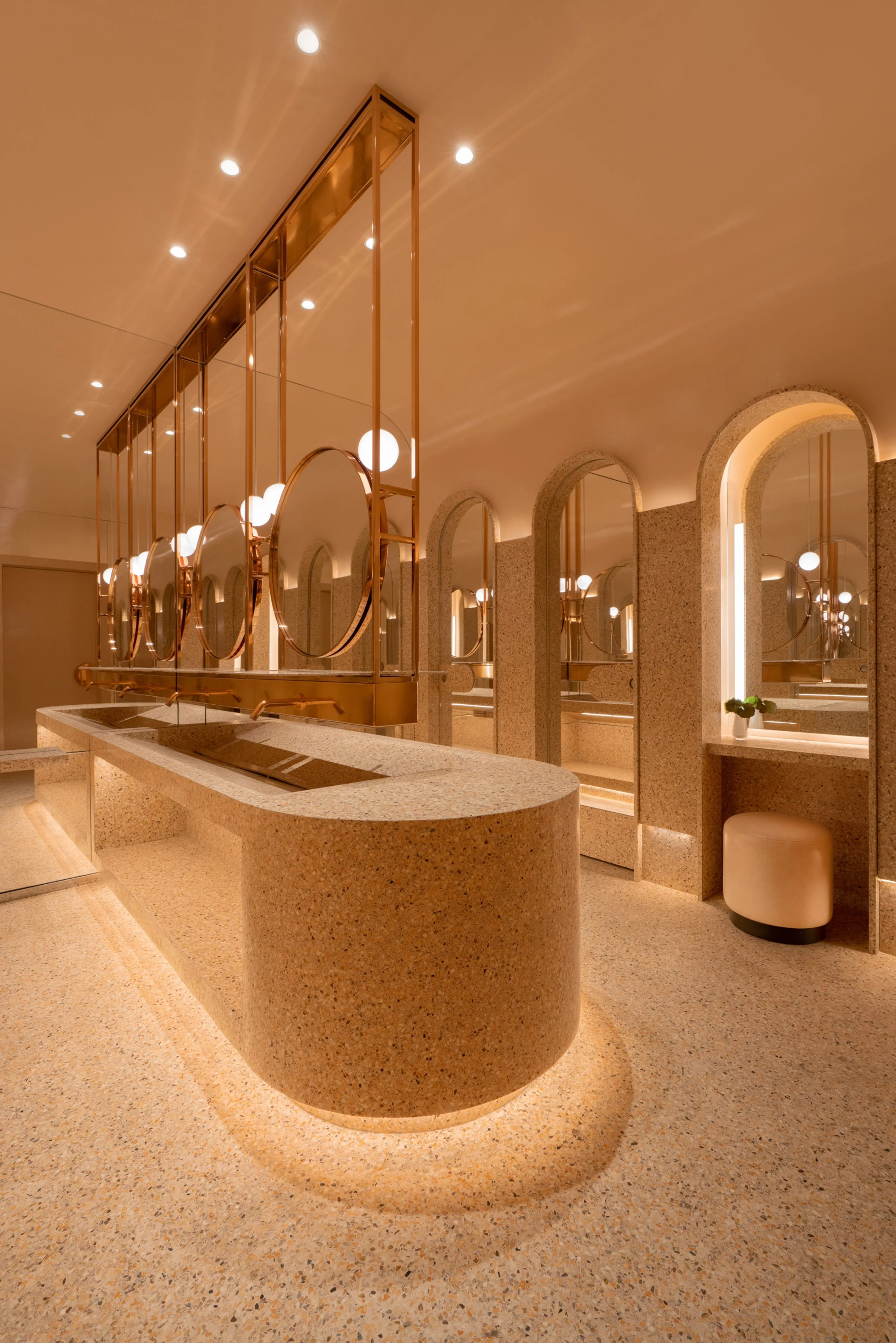 Four Seasons Hotel Montreal by Atelier Zebulon Perron