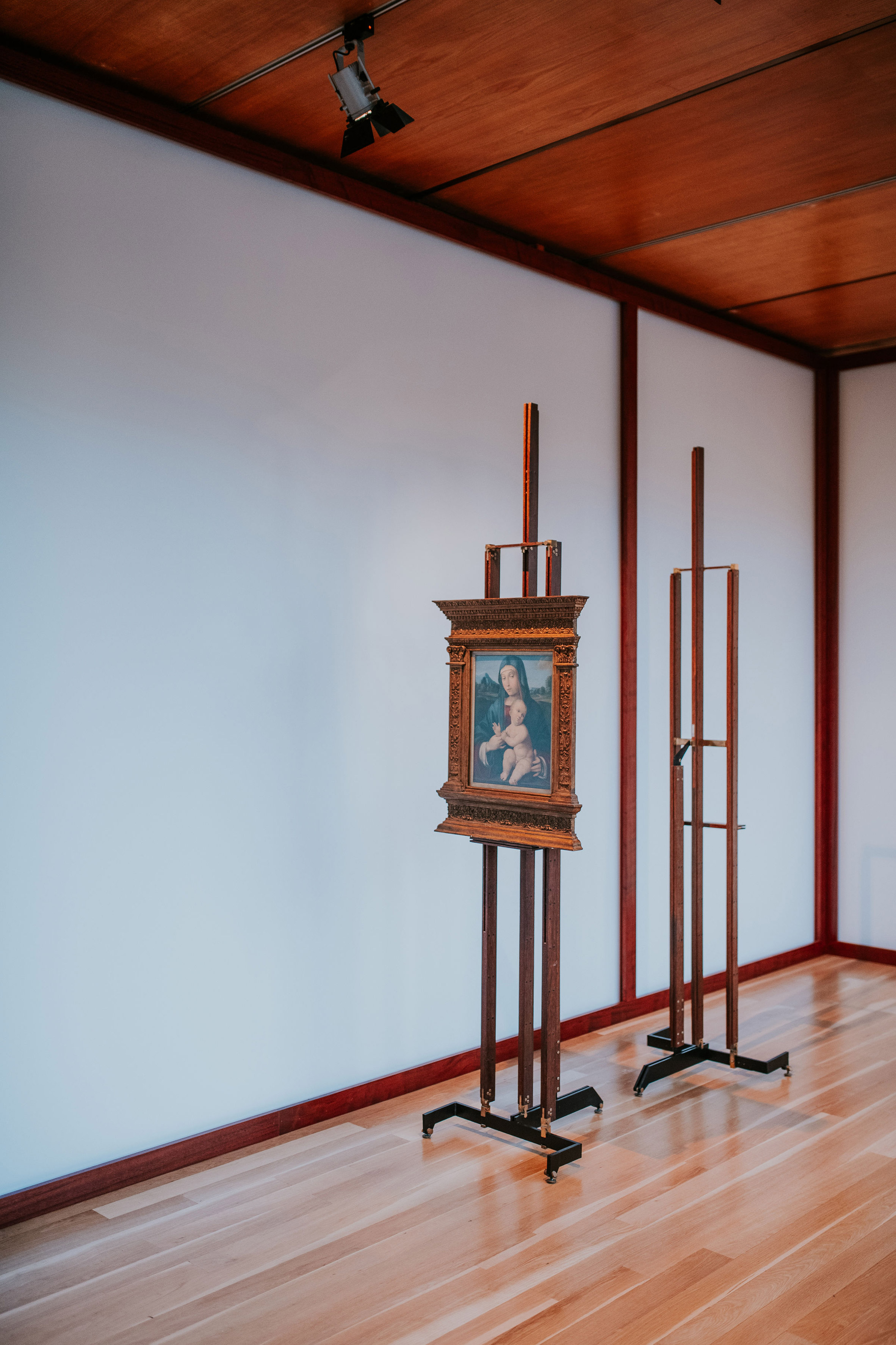 Carlo Scarpa's exhibition design at Art on Display at the Gulbenkian Museum