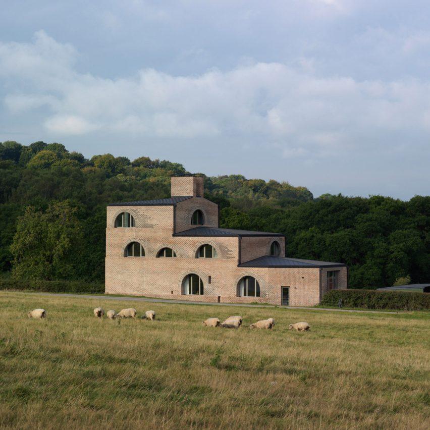 Nithurst Farm by Adam Richards in England, UK