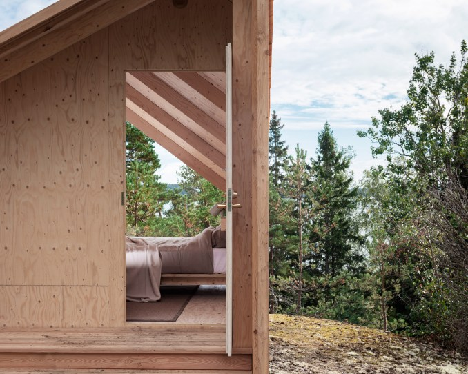 Entrance to the modular Space of Mind cabin prototype by Studio Puisto