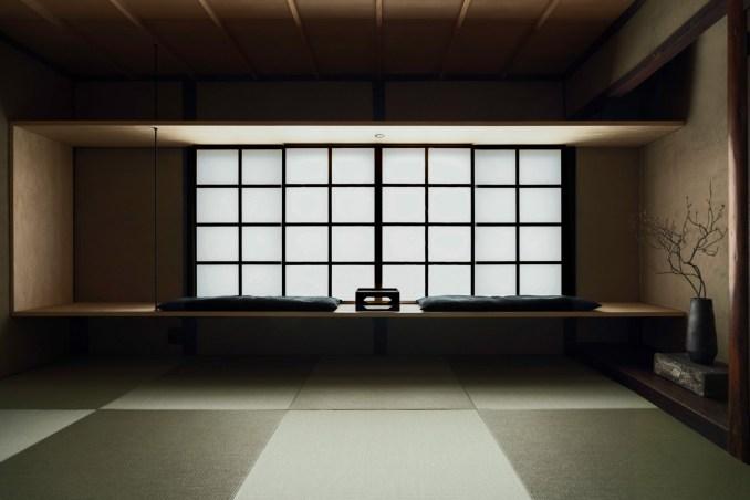The guestroom inside Maana Kamo guesthouse by Uoya Shigenori