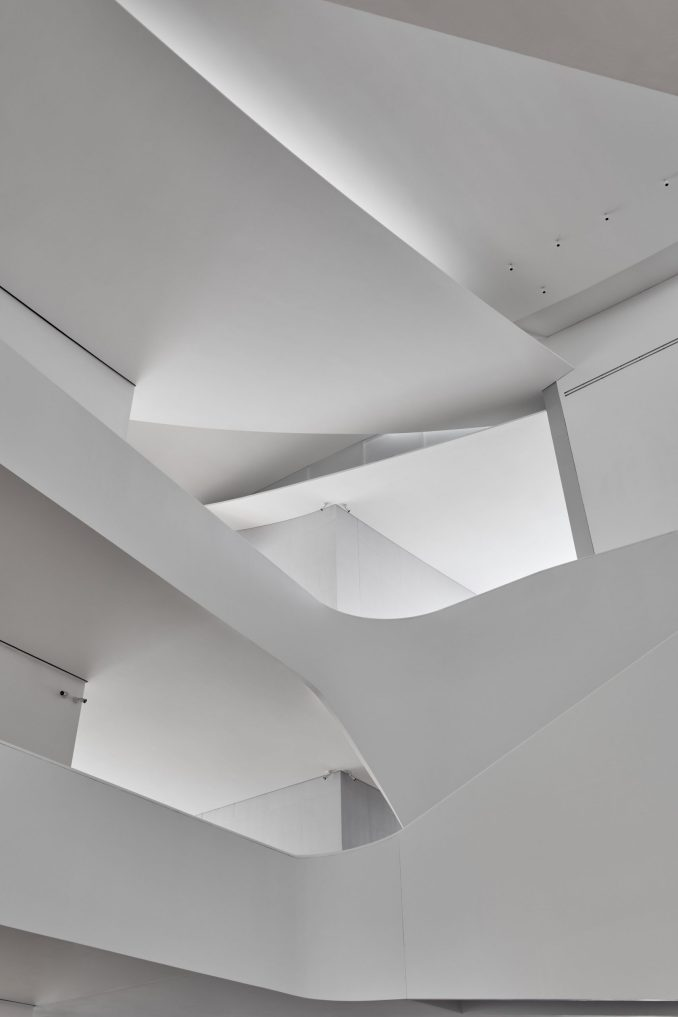 Roof detail in Nancy and Rich Kinder Building by Steven Holl Architects