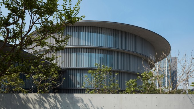 The exterior of Tadao Ando's cylindrical He Art Museum in China