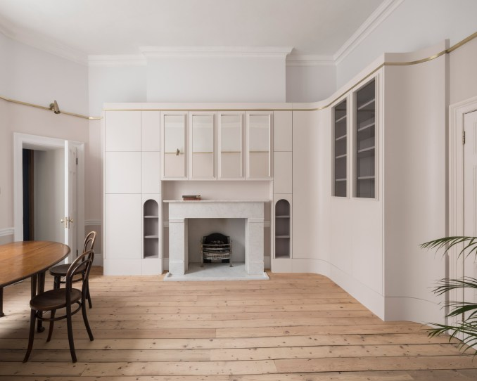 Living room of Upper Wimpole Street apartment by Jonathan Tuckey Design