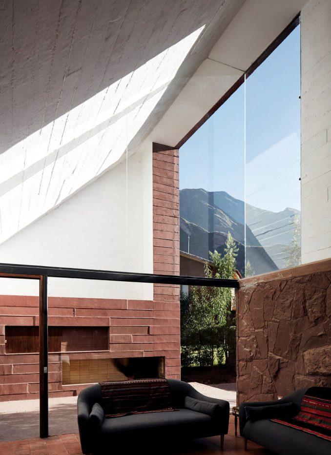 Lounge in Casa Huayoccari by Barclay & Crousse