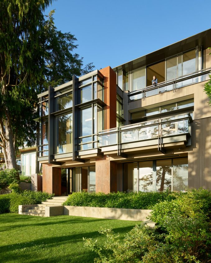 Exterior view of Lakeside Residence by Graham Baba Architects