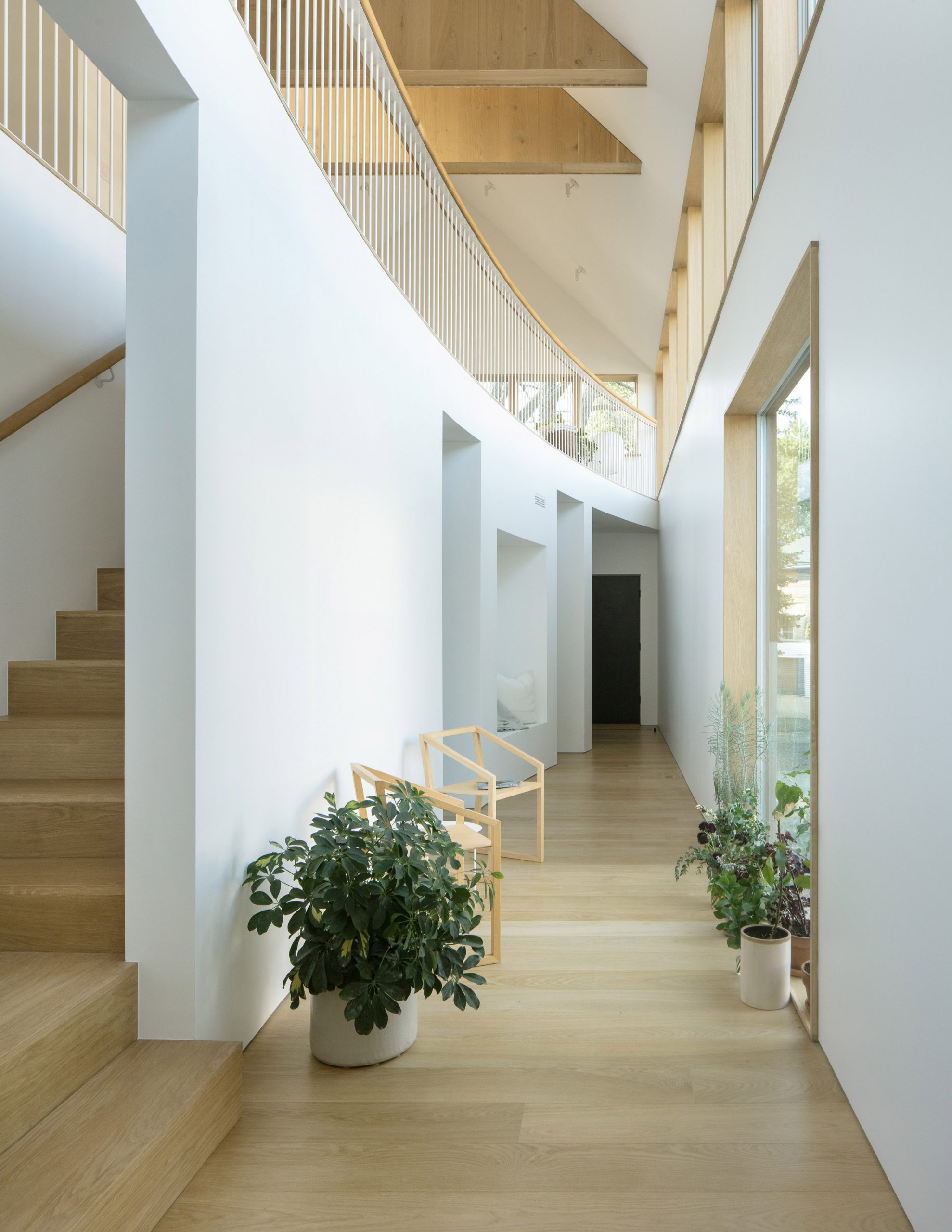 Staircase in Ardmore House by Kwong Von Glinow