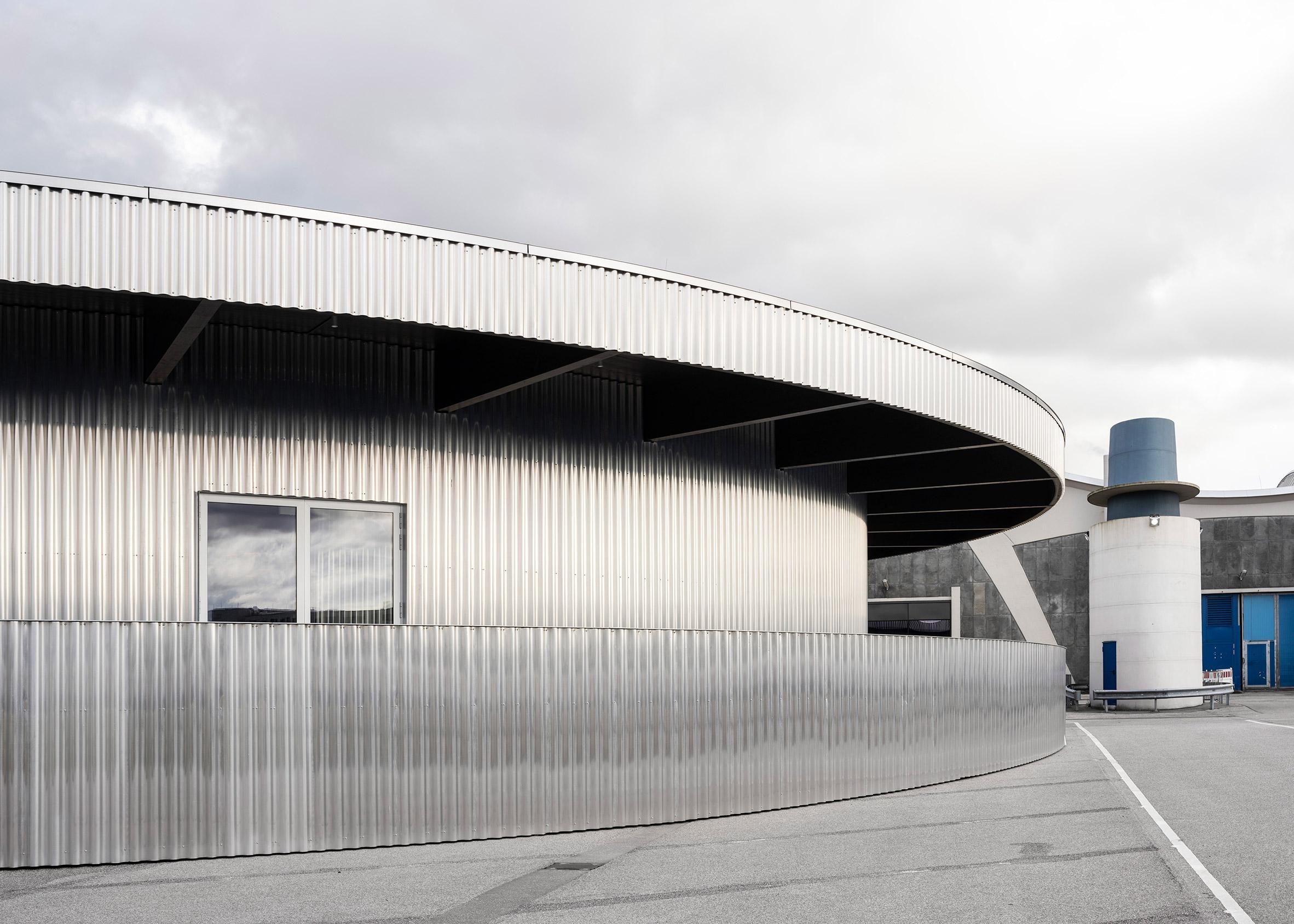 Aluminium clad ticket office for Mehr! Theater