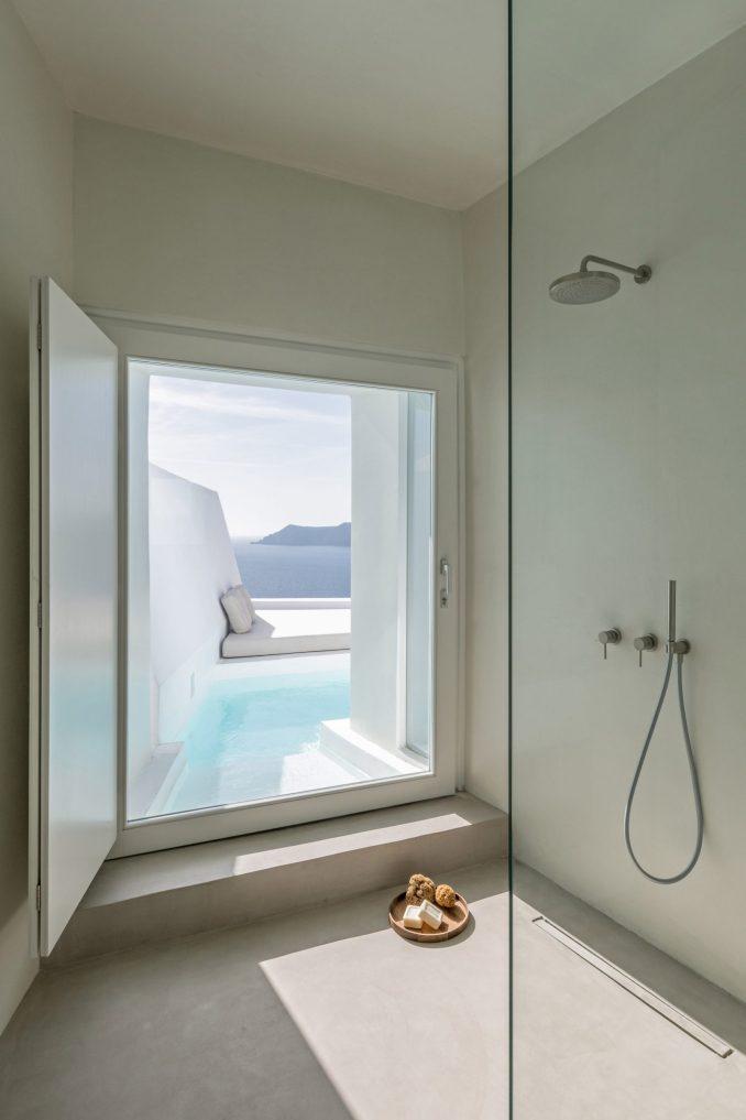 Santorini hotel bathroom