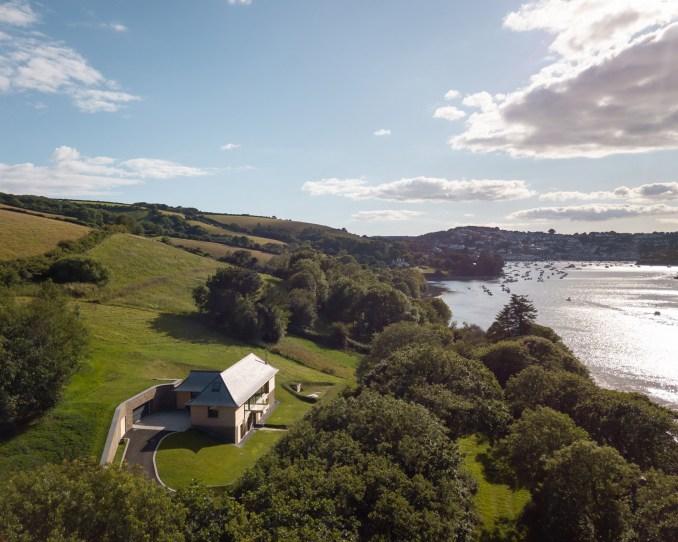 House overlooking Salcombe Estuary