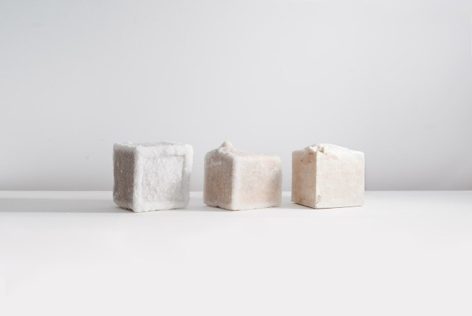 Building blocks made from Dead Sea salt