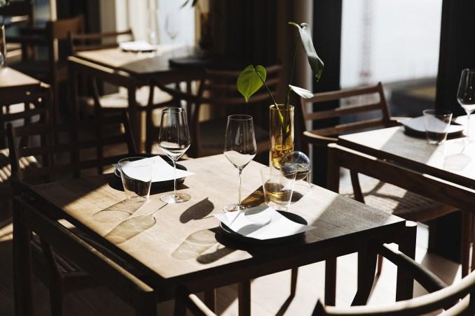Table in Substans restaurant in Aarhus by Krøyer & Gatten