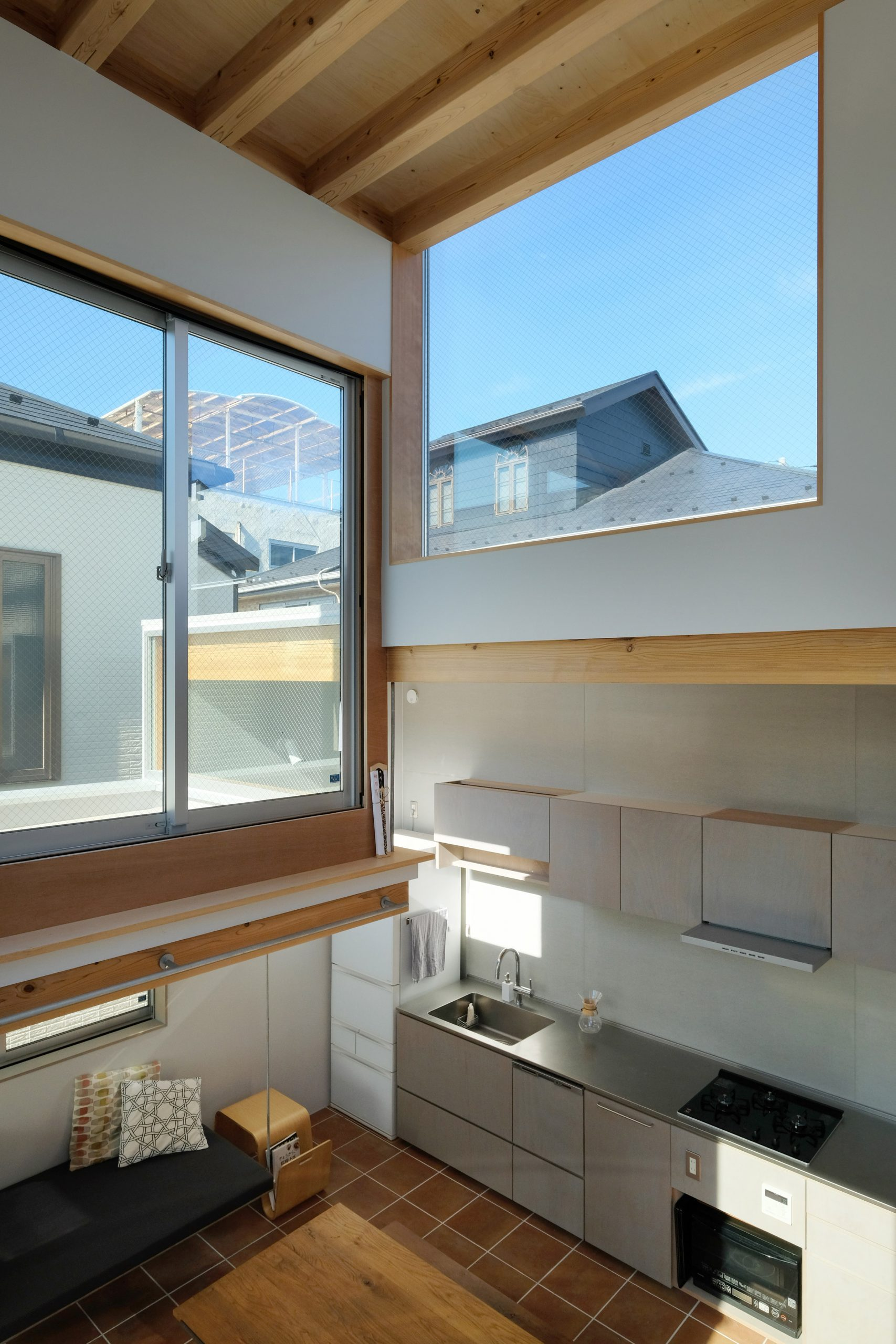 Over four-metre high ceilings in Tokyo house