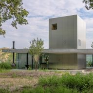 The low-lying Villa Fifty-Fifty house in Eindhoven
