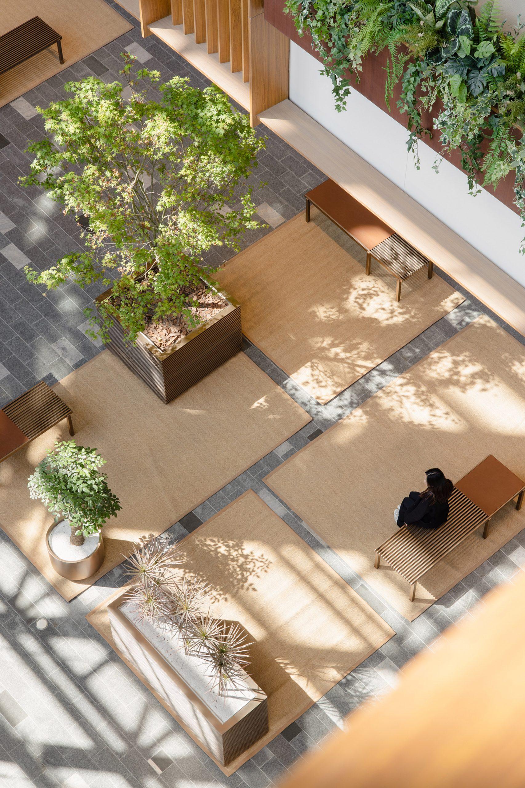 Zones in Xintiandi atrium by AIM Architecture