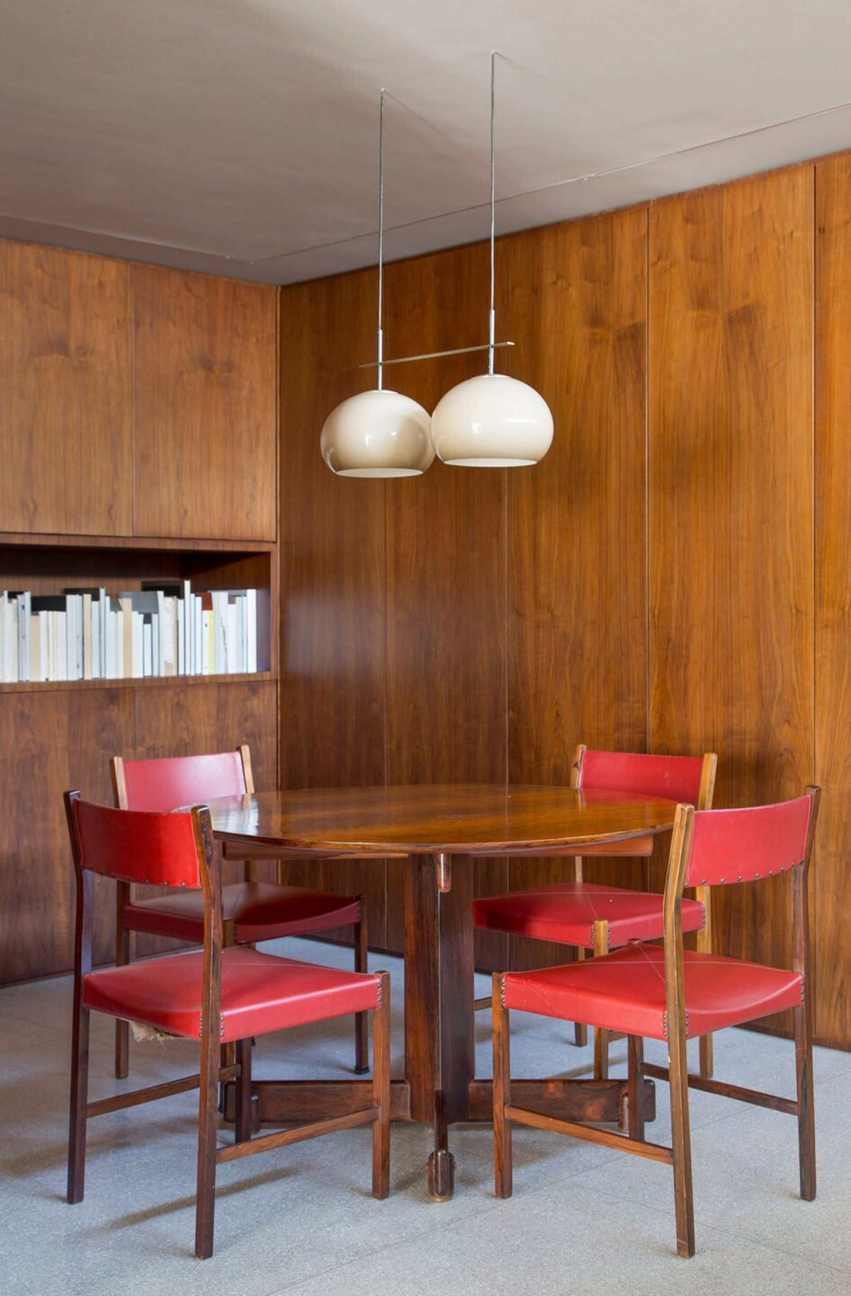 A table by Sergio Rodrigues features in the kitchen