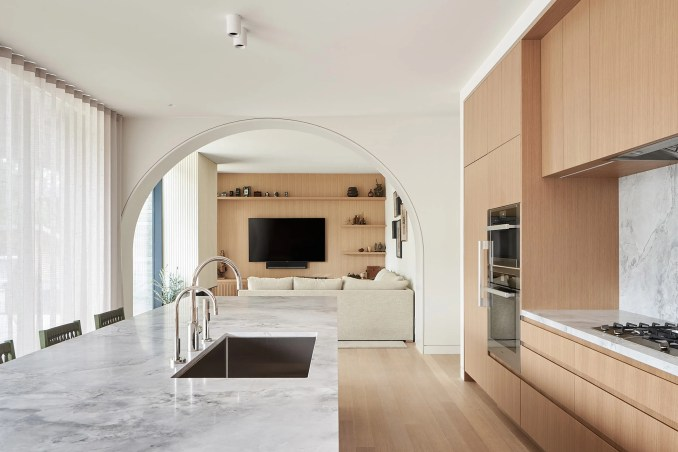 Drew Mandel Architects designed the project