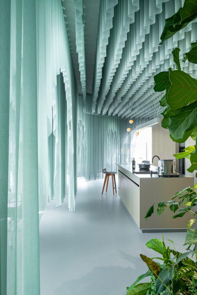 siersema office has floor to ceiling windows