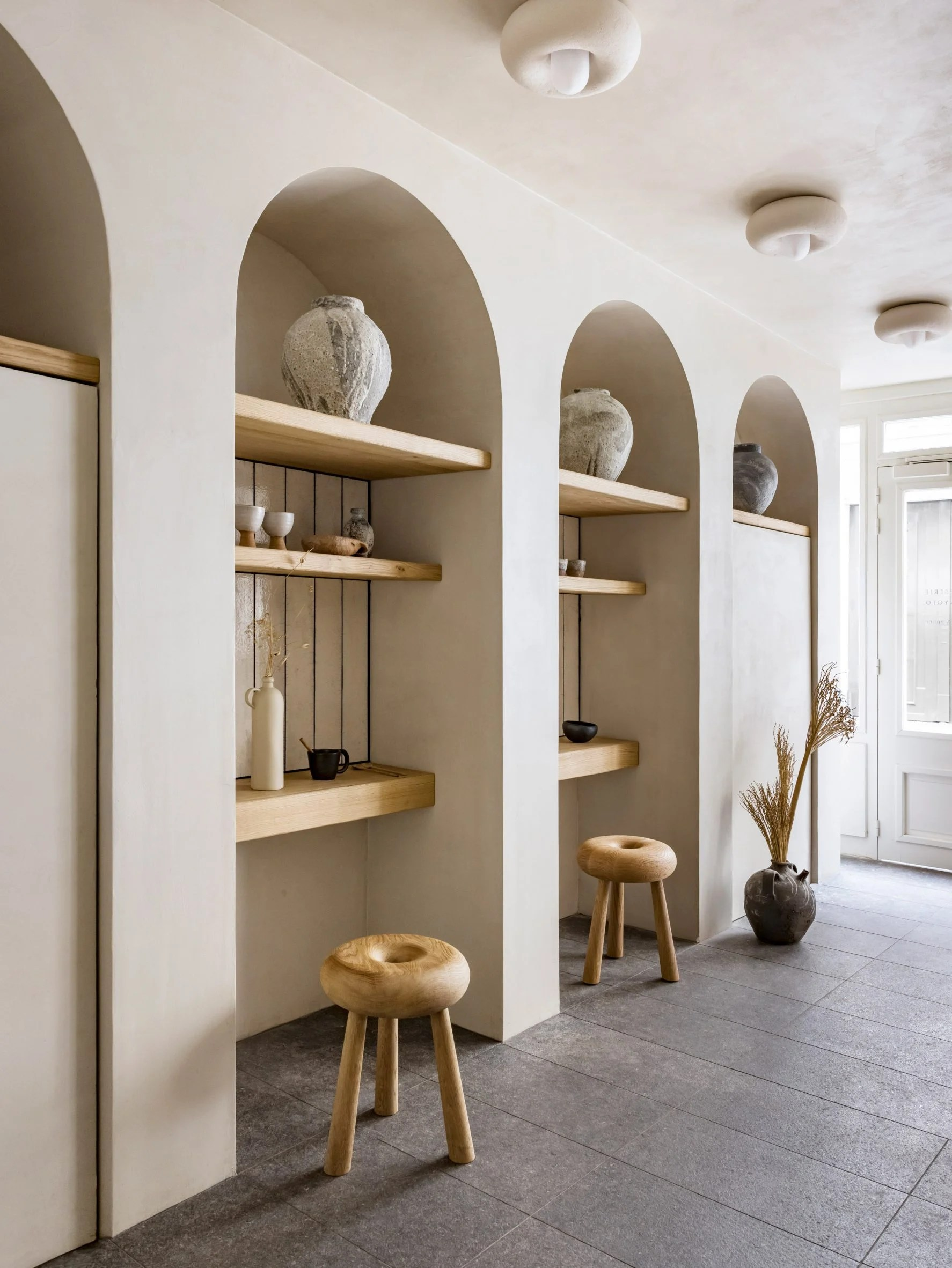 Arched alcoves for sitting