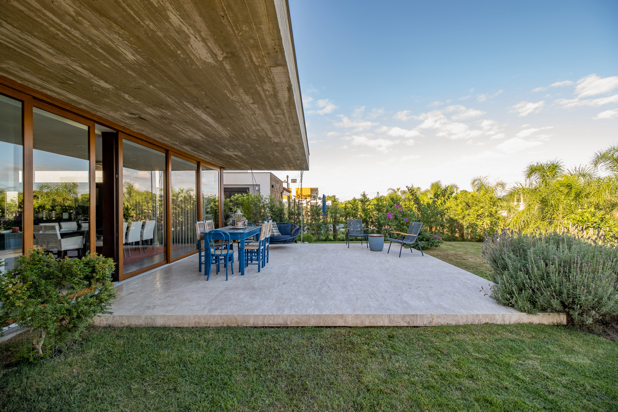 Anada House by Stemmer Rodrigues in Brazil