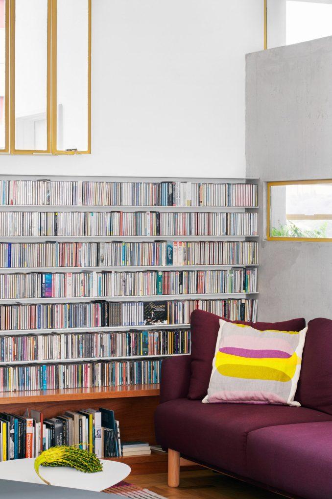 Snug in Louveira Apartment by Ana Sawaia