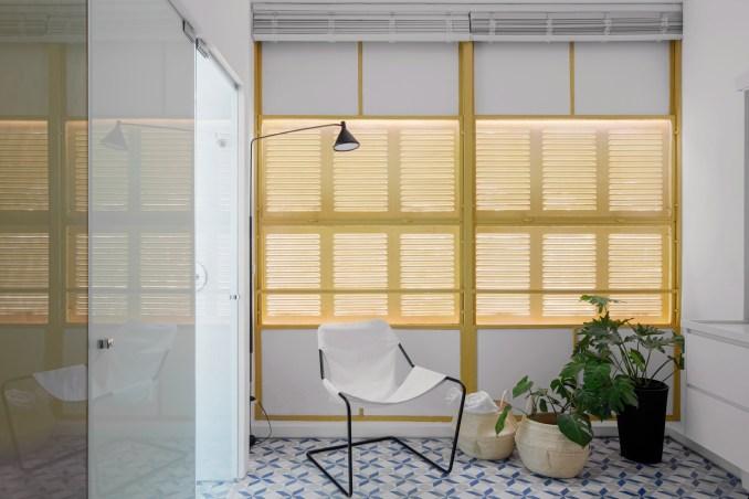 Bathroom in Louveira Apartment by Ana Sawaia