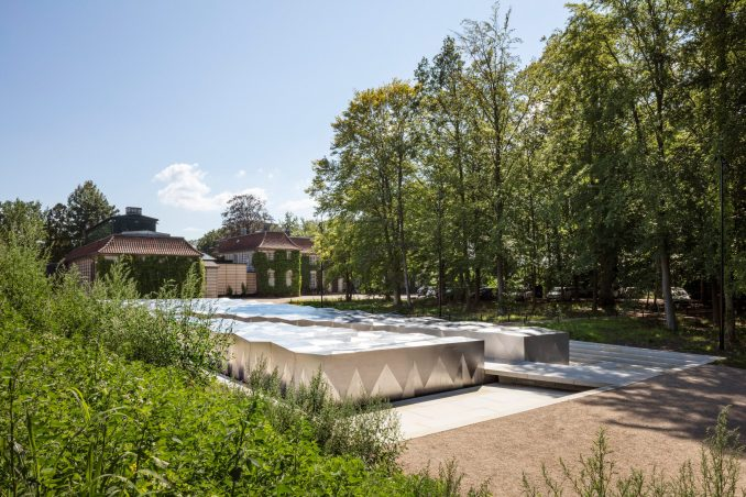 Snohetta Ordrupgaard Museum extension protruding into the landscape