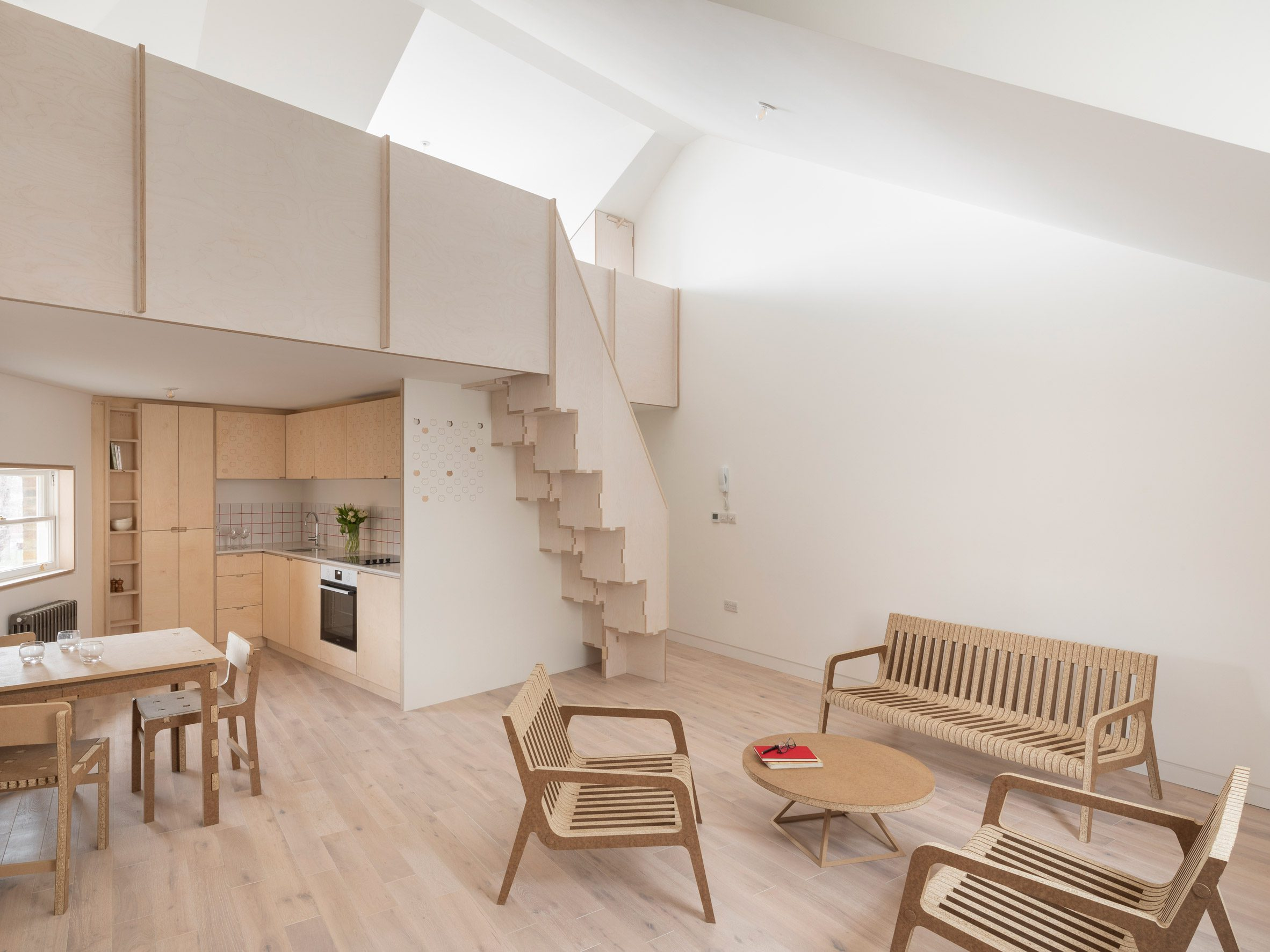 Second floor flat in The Queen of Catford by Tsuruta Architects
