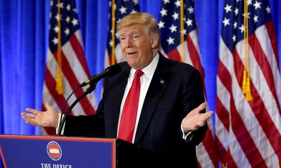 Donald Trump wird bereits vor seinem Amtsantritt mit schweren Vorwürfen der Erpressbarkeit durch Russland konfrontiert. / Bild: APA/AFP/TIMOTHY A. CLARY