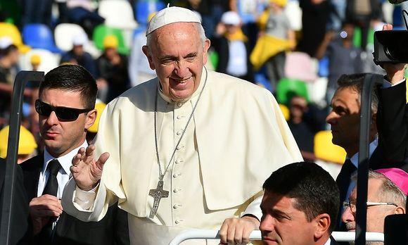 Papst Franziskus / Bild: APA/AFP/VINCENZO PINTO