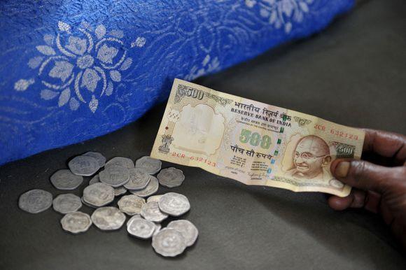 Indiens Premier Narendra Modi will Bargeldreform Korruption und Schwarzgeld bekämpfen.