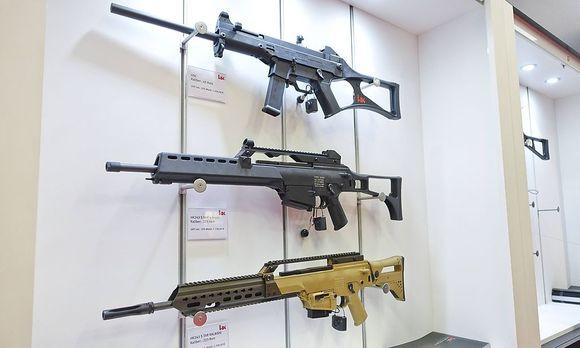 Symbolbild: Gewehre des deutschen Herstellers Heckler und Koch / Bild: imago/isslerimages