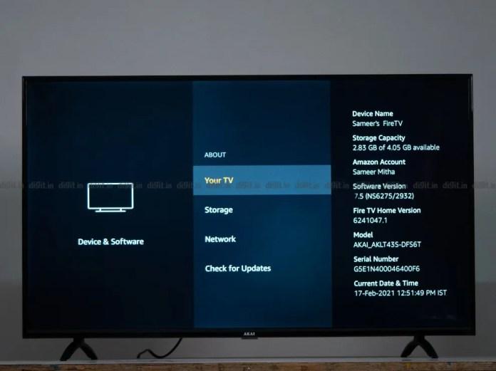 A Akai TV possui 8 GB de armazenamento embutido, dos quais 4,05 GB podem ser acessados pelo usuário.