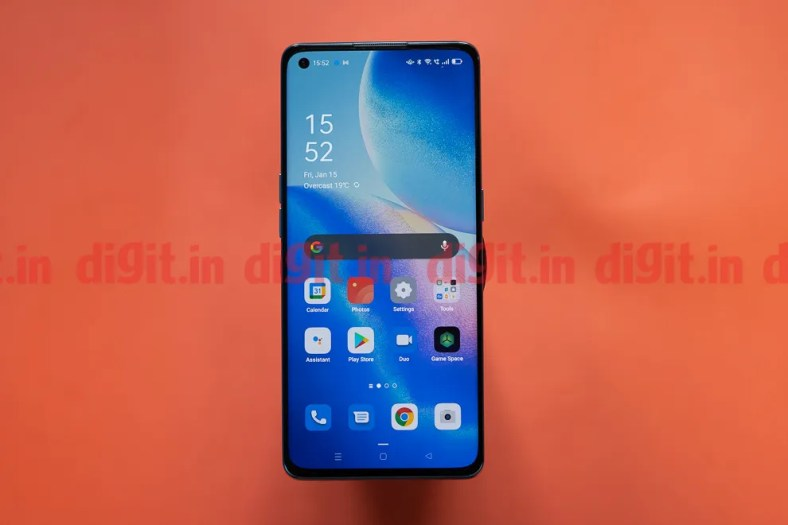 The Oppo Reno5 Pro 5G features a 6.5-inch FHD+ display with a refresh rate of 90Hz and HDR10 certification