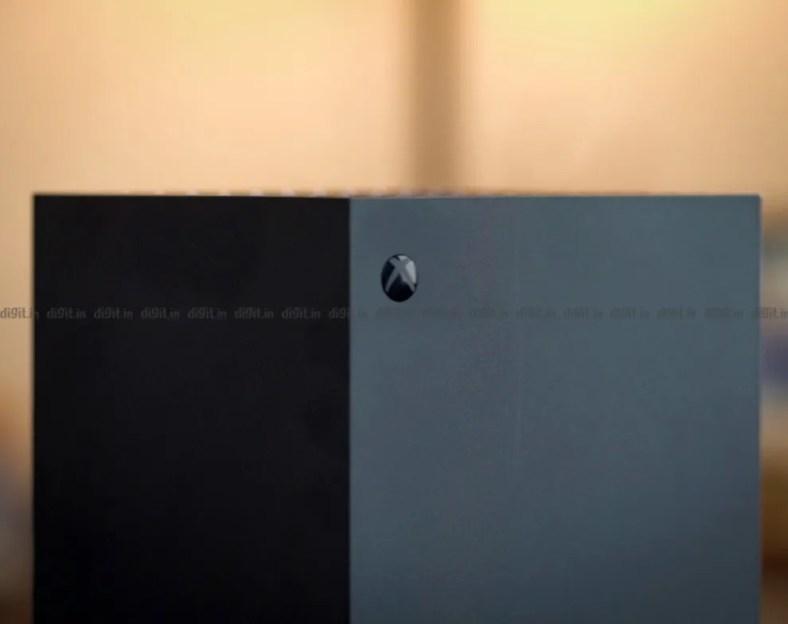 Xbox Series X power button.