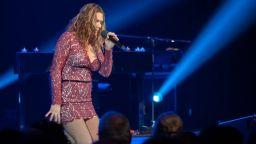 Музикално чудо Бет Харт се завръща през декември