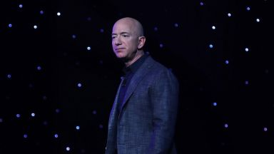 Джеф Безос се спусна отново, за да се изкачи: къде отиде милиардерът?
