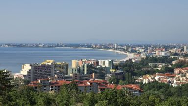 Офертите за бизнес недвижими имоти са с 50% повече: цените варират от 557 до 988 евро на квадратен метър.