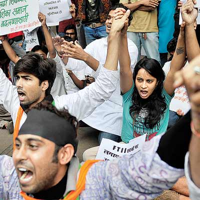 Students of FTII take out a protest rally on Monday