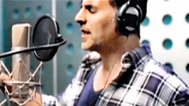 Image result for akshay kumar singing punjabi song