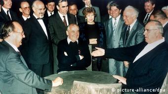 Γκένσερ, Γκορμπατσόφ, Κολ