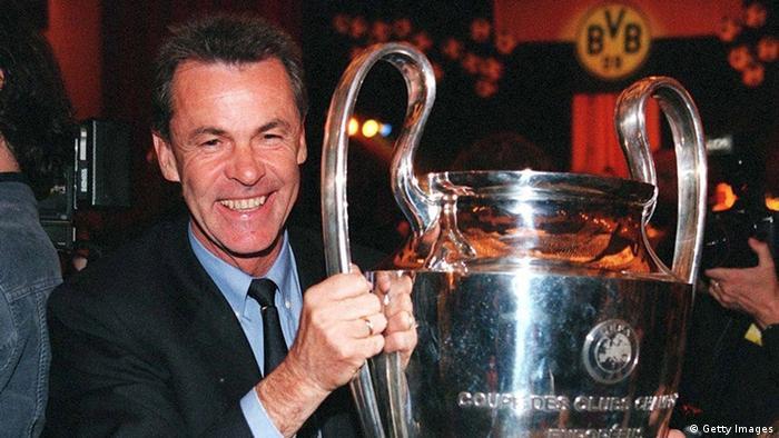Ottmar Hitzfeld Champions League Pokal BVB 1997