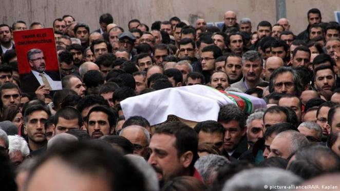 Öldürülen avukat Tahir Elçi'nin cenazesi