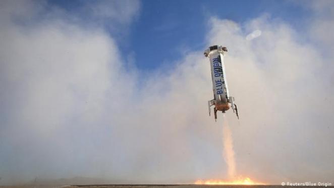 Arşiv - Blue Origin'in başarılı roket testlerinden biri (02.04.2016)