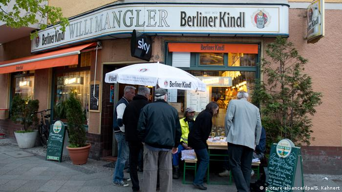 Germany, corner pub Willi Mangler in Berlin