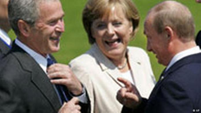 Germany G8 participants Bush Merkel and Putin