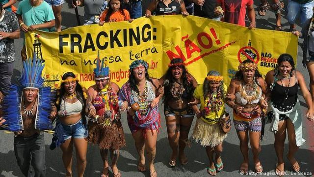 Protesta indígena contra el fracking en Brasilia. (Archivo).