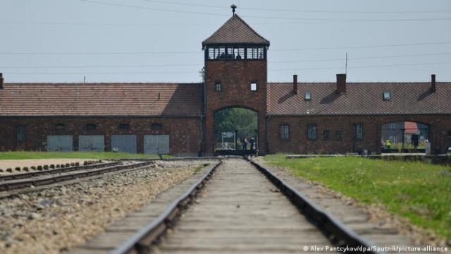Merkel visitará por primera vez el campo de concentración nazi de Auschwitz  | Alemania | DW | 29.11.2019